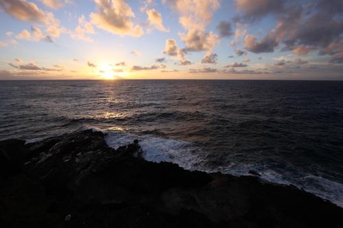 Sunrise_at_halona_blow_hole